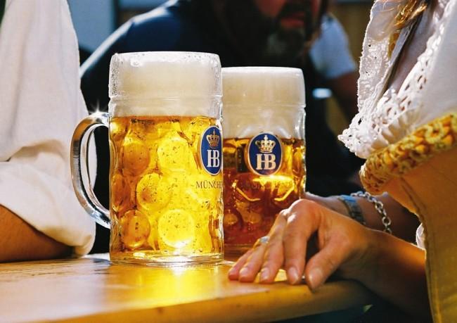 Importadora de cervejas Bier & Wein promove feira em São Paulo. Entre os rótulos, a clássica HB