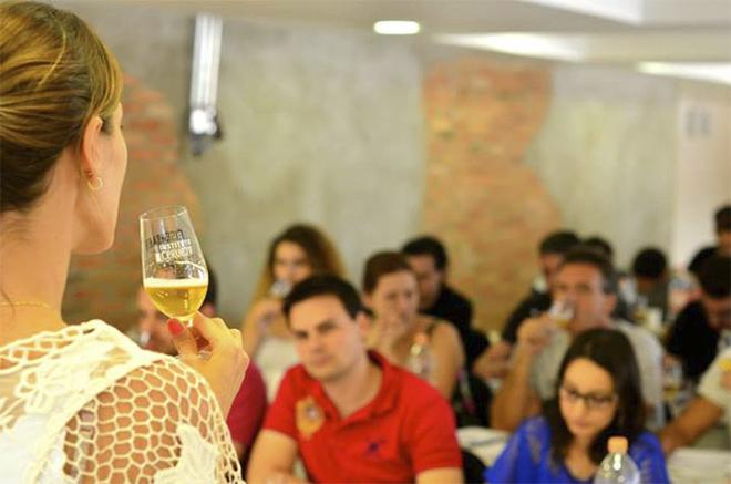Curso intensivo sommelier de cerveja katia