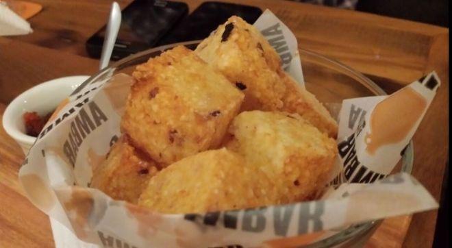 Bar Ambar Pinheiros - bolinho de tapioca