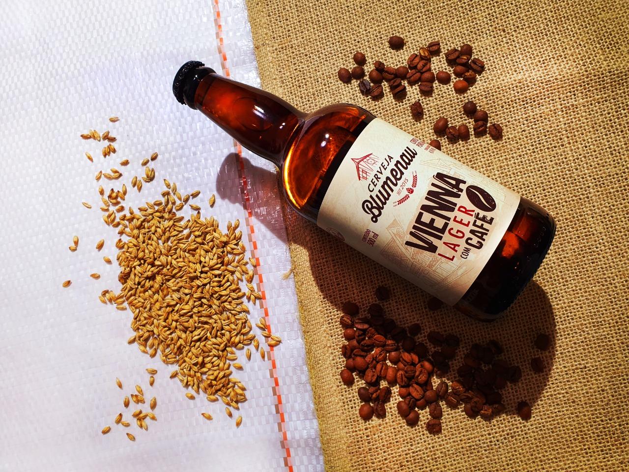 Cervejaria Blumenau lança cerveja com blend de cafés especiais