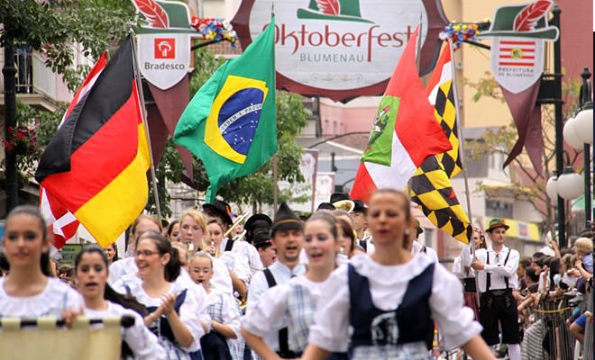 Oktoberfest-Blumenau.jpg